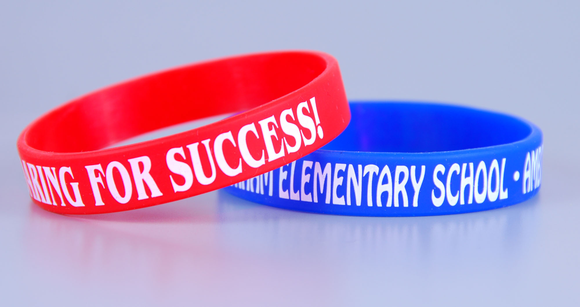 Custom screen logo bubber wristbands for school